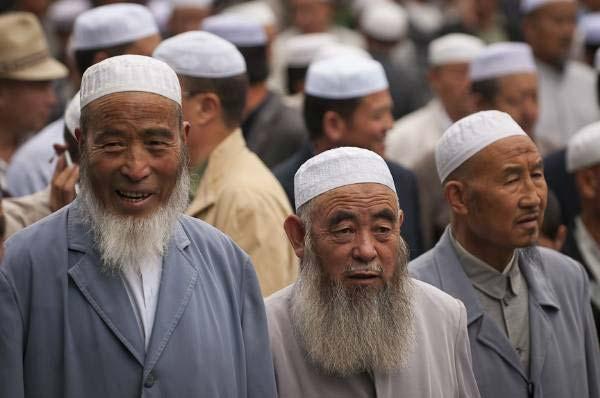 https://oumma.com/wp-content/uploads/2001/12/musulmans-chine.jpg