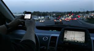 un savant saoudien met une fatwa contre l usage du t l phone portable au volant. Black Bedroom Furniture Sets. Home Design Ideas
