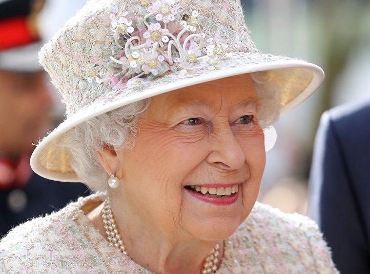 La Reine Elisabeth Ii Serait La Descendante Du Prophete Selon Un